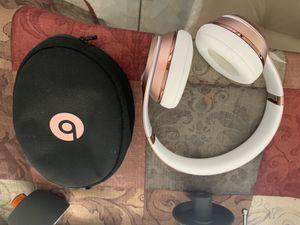 Rose Gold wireless solo 3 Beats Like New for Sale in Apopka, FL