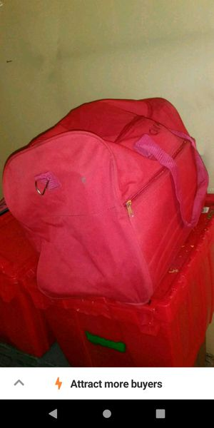 Like new red nylon/canvas heavy duty sports bag, travel bag, duffle bag for Sale in Long Beach, CA