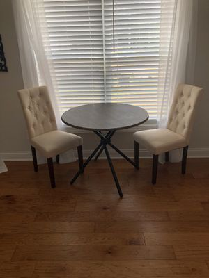 Kitchen table for Sale in Kannapolis, NC