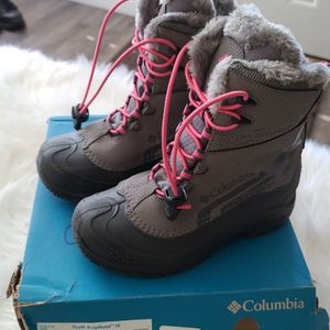 Snow Boots Youth Size 4 for Sale in Compton, CA