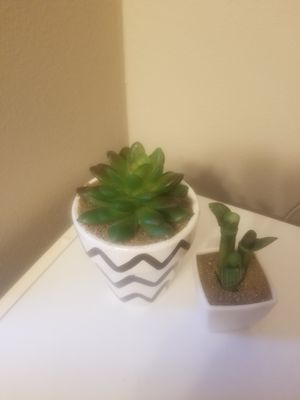 Faux Plant Set for Sale in Columbus, OH