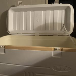 Igloo Polar 120 Quart Marine Chest Cooler for Sale in York, PA