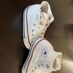 White chucks toddler converse Toddler Size 6Us for Sale in Pico Rivera, CA