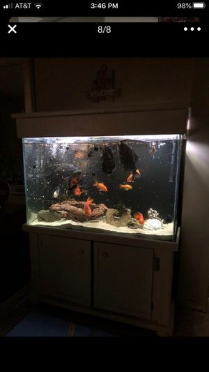 90 gallons aquarium complete stand, pumps, heater and live rocks . for Sale in Winchester, CA