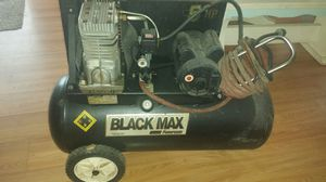 Black max 5hp 20 gallon air compressor for Sale in Soperton, GA