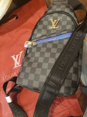 Men Louis Vuitton Cross Body Bag for Sale in Cleveland, OH