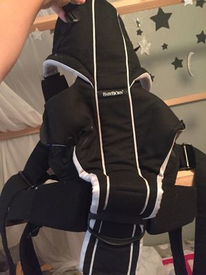Baby Bjorn baby carrier in or out facing for Sale in Everett, WA