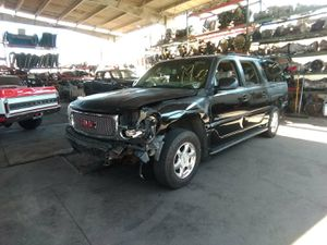 2000 GMC Yukon XL 6.0 parting out for Sale in Fontana, CA