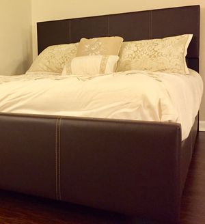 New Brown King Bed for Sale in Chevy Chase, MD