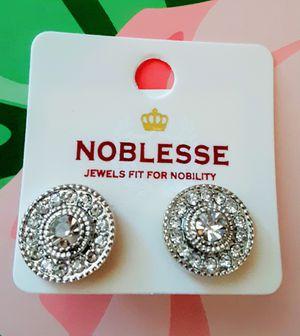 New silvertone faux diamond crystal stud earrings for Sale in Fullerton, CA