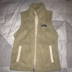 PATAGONIA Fuzzy Vest Womens Small for Sale in Monroe, NH