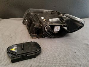 Audi Q7 2010-2014 headlight assembly OEM parts for Sale in Los Angeles, CA
