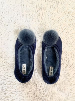 FUZZY Old Navy TinkerBell Slippers for At home for Sale in Bell Gardens, CA