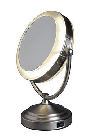 Floxite Daylight Cosmetic Mirror, 8 x Mag for Sale in Smyrna, TN