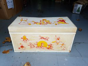 Toy box metal and cousin top for Sale in Bartonville, IL