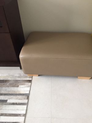 Taupe leather ottoman for Sale in Delray Beach, FL