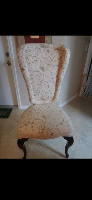 ANTIQUE CHAIR EXCELLENT CONDITION for Sale in Delray Beach, FL