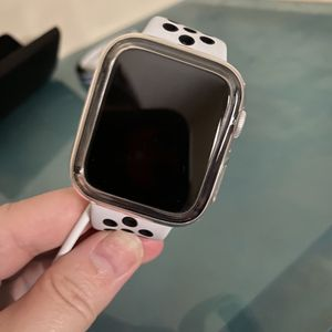 Apple Watch Cellular/Gps 44mm Series 6 Nike for Sale in Spartanburg, SC