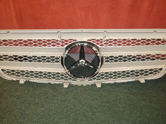 2013 Mercedes E350 Front Grille for Sale in Chicago,  IL