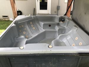 Free Hot tub for Sale in Maple Valley, WA