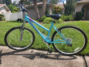 Women's Mountain Bike **Like New** for Sale in Tampa, FL