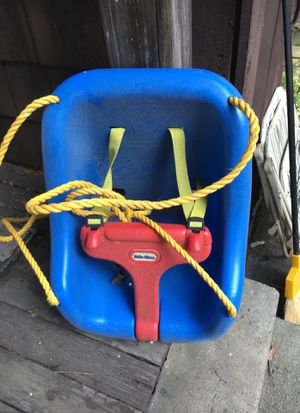 Little tikes baby swing for Sale in Waltham, MA