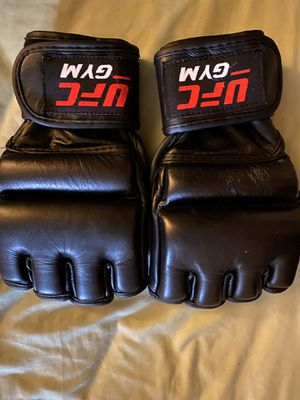 UFC training gloves for Sale in The Bronx, NY