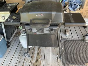 Char broil grill for Sale in Hobe Sound, FL