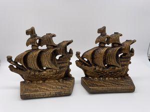 Vintage metal sailing ship bookends. Set of 2 pieces for Sale in Des Plaines, IL