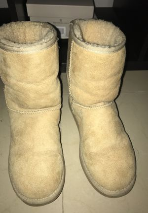 Authentic Ugg boots for Sale in Coral Gables, FL
