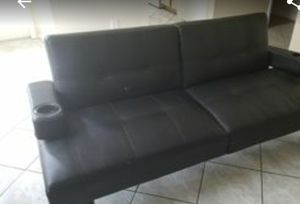 Great condition black leather futon. for Sale in Vero Beach, FL