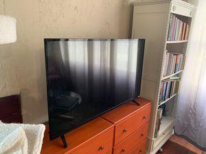 """TV 36"""" Vizio for Sale in Tacoma, WA"""