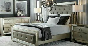 Brand new in box Queen mirrored AVA bedroom set for Sale in San Francisco, CA