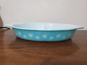 Snowflake divided dish pyrex for Sale in Lathrop, CA
