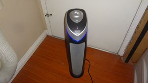 AIR PURIFIER IDYLIS GERMGUARDIAN 167 SQ FT WITH UV LIGHT GREAT CONDITION for Sale in Culver City, CA