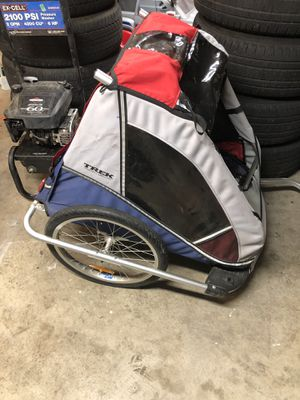 TREK bike trailer 2 seater or 1 seater/big trunk in the rear for Sale in Vancouver, WA