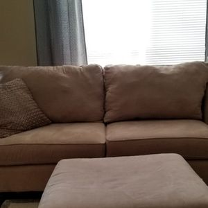 Free Couch!!! for Sale in Buckley, WA