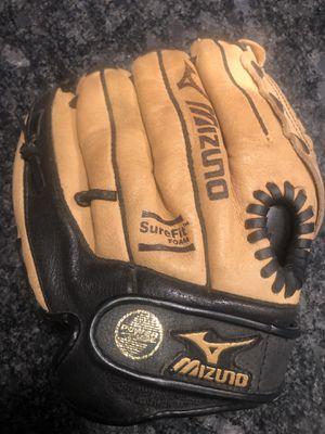 "Mizuno Youth Baseball Softball Glove 11"" for Sale in Fox Lake, IL"