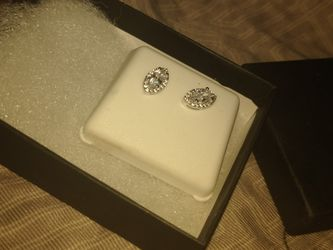 Silver Diamond Earrings for Sale in Albuquerque,  NM