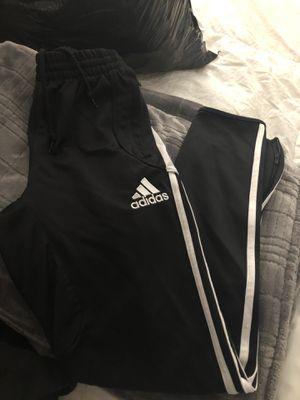 Small soccer sweats like new for Sale in Clovis, CA