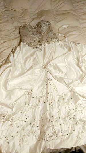 White wedding dress for Sale in San Angelo, TX