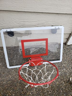 Baskeball hoop for Sale in Lake Stevens, WA