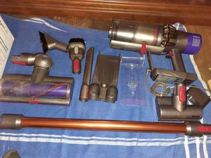 Dyson v10 absolute for Sale in Fresno, CA