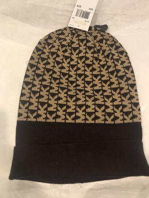 New authentic Michael Kors beanie hat for Sale in Elmwood Park, NJ