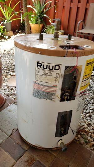 Free water heater for Sale in Pompano Beach, FL