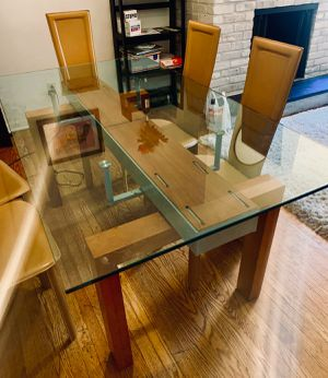 OFFER VALID ONLY IF PURCHASED BEFORE WED 7:00 PM Gorgeous luxury Italian designer table w 6 chairs Length 5ft 3 inches for Sale in Philadelphia, PA