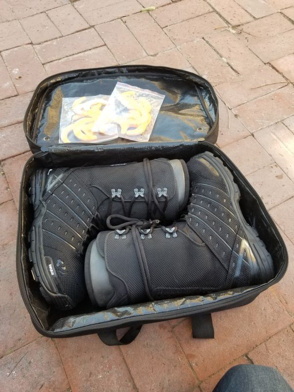 Thirty Two 32 Snowboard Boots - ULTRALIGHT - With Travel Bag. Men Size 10