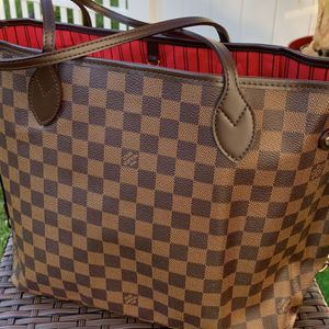 Louis vuitton Neverfull Damier Ebene MM Women Bag for Sale in Los Angeles, CA