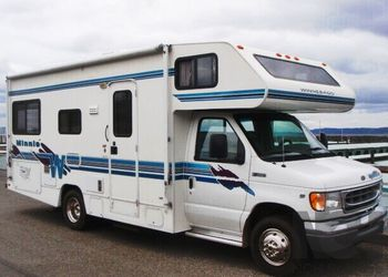 1999 Winnebago Minnie Gas for Sale in New York,  NY