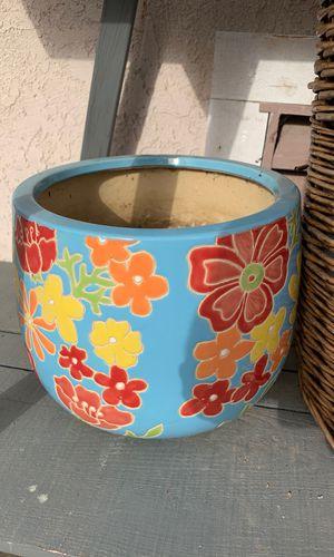 Large ceramic flower pot for Sale in Huntington Beach, CA